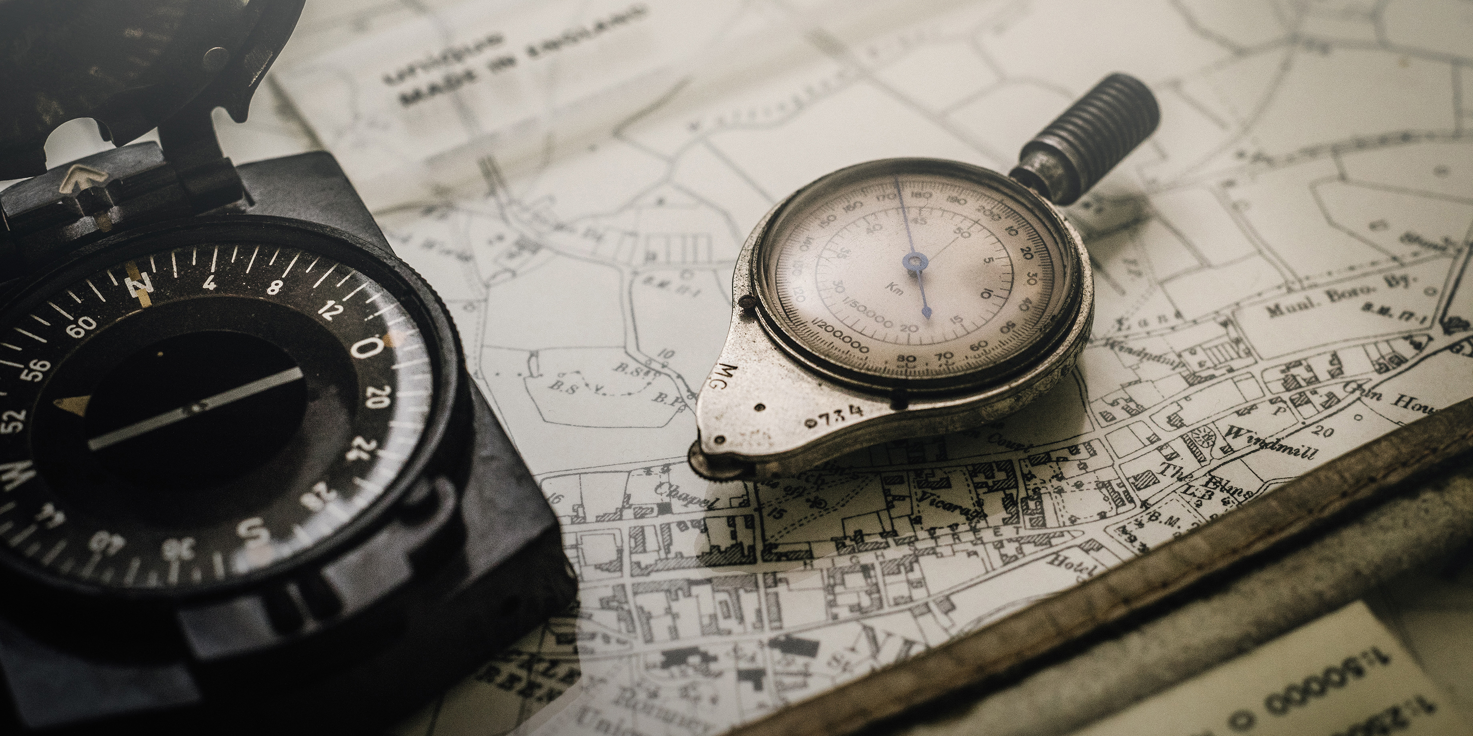 compass-w-map-3000x1500-72-andrews-alexander-4JdvOwrVzfY-unsplash